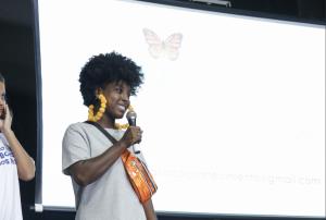 Jaciara Bernardino apresentando seu projeto no Futuro do Rio Doce em 2019